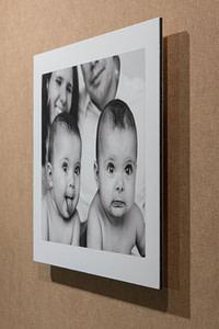 Fine Art Dibond vom Baby Fotoshooting aus der Fine Art Dankeskarten Manufaktur vom Fotograf Ralph von Kaufmann