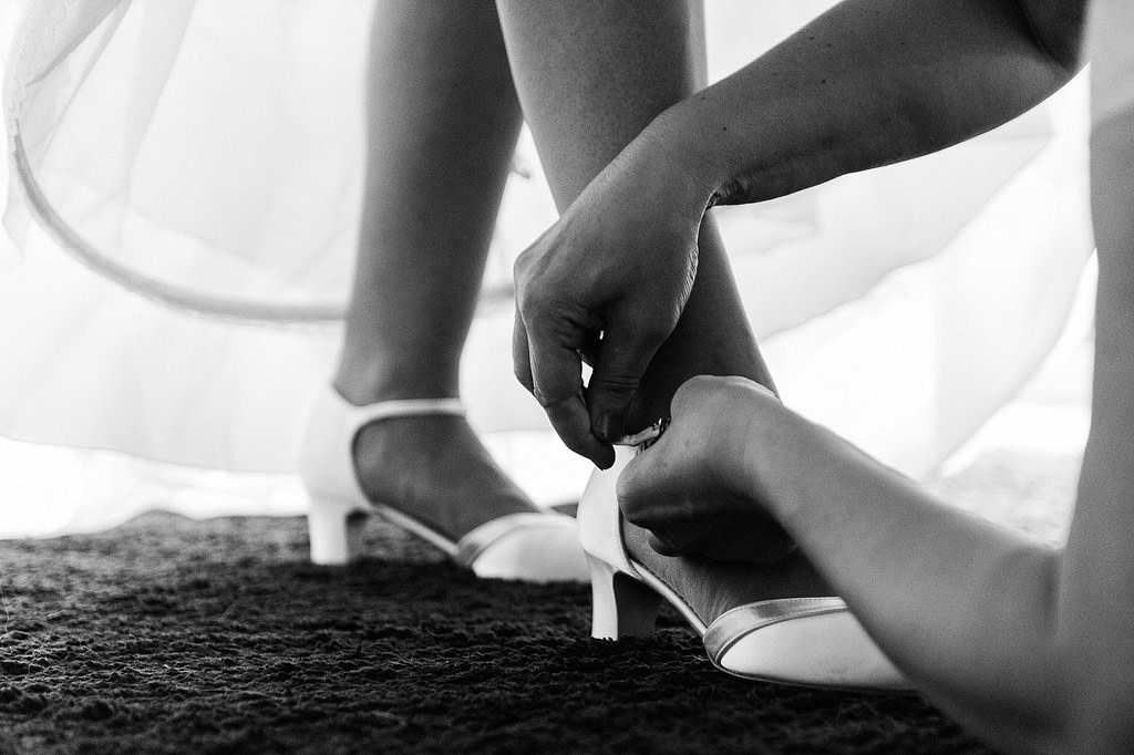 Letzte Vorbereitungen für den schönsten Tag im Leben. Die Hochzeitsbilder vom Hochzeitsfotograf Hamburg