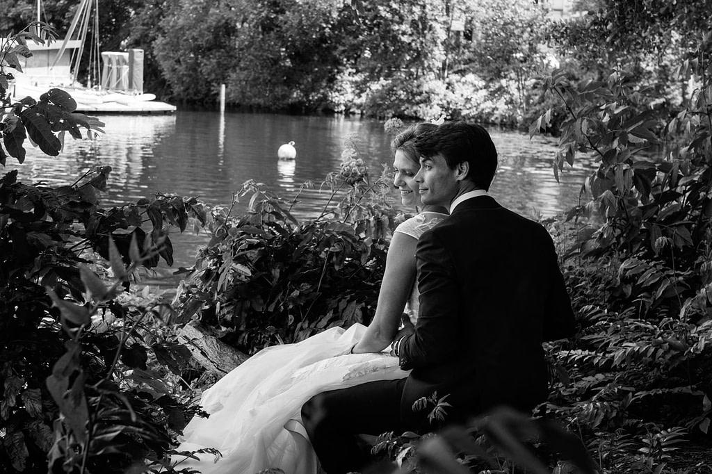 Brautpaarfotos an der Aussenalster beim Hochzeitsfotograf Hamburg