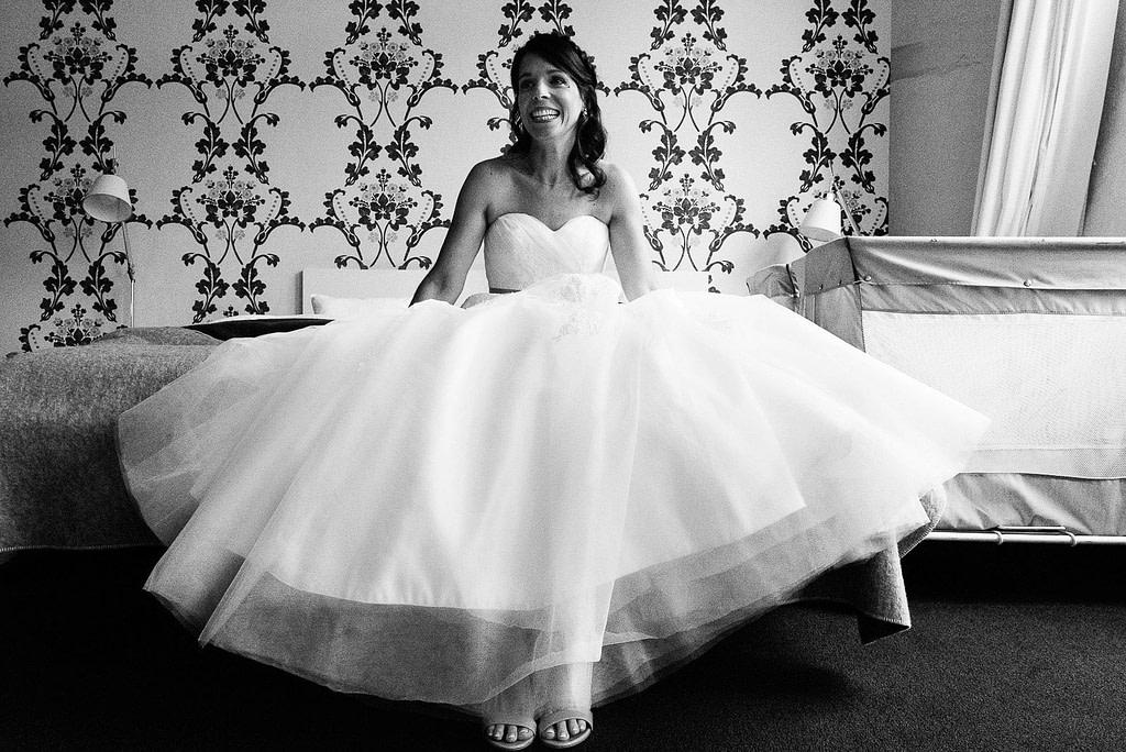 Die Braut ist bereit für den schönsten Tag im Leben im 25hours Hotel in Bahrenfeld bei Hochzeitsfotografie Hamburg