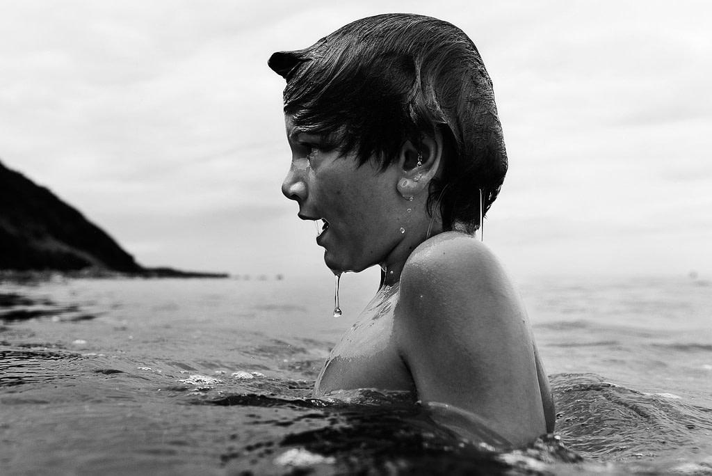 Kinderfotografie im Wasser, Kinderschwimmen und Kindertauchen in der Ostsee mit Unterwasserfotografie