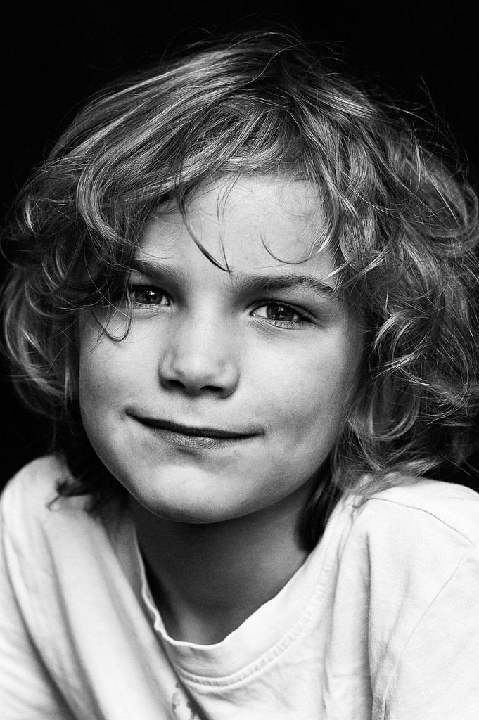 Close-up vom Kindergesicht bei der Familienfotografie und Kinderfotografie mit Tageslicht in Hamburg Ottensen