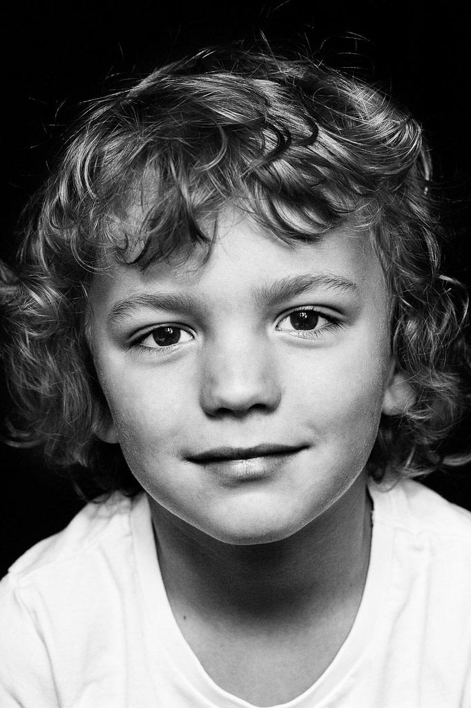 Close-up vom Kindergesicht bei der Familienfotografie und Kinderfotografie mit Tageslicht in Hamburg Altona